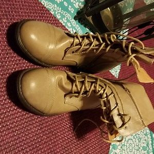 Forever 21 Boots never worn